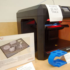 A new 3D printer in the Health Sciences library is available to faculty and students.